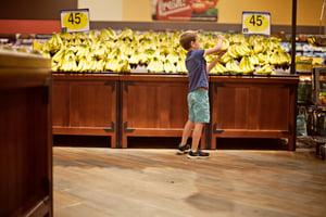 kid_banana_shopping.jpg